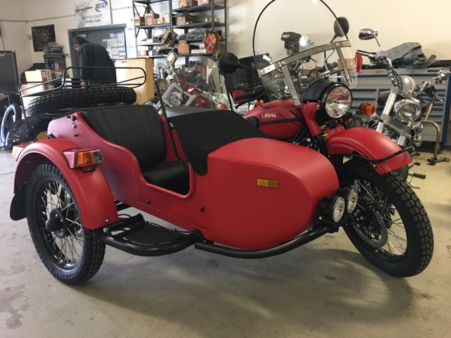 2019 URAL GEAR UP OCTOBER RED at Randy's Cycle, Marengo, IL 60152
