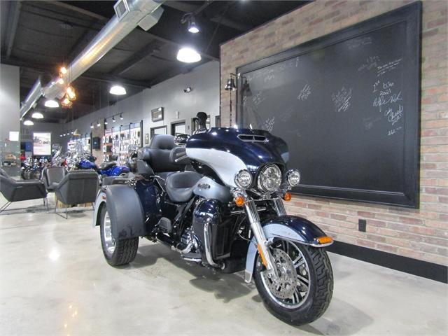 2019 Harley-Davidson Trike Tri Glide Ultra at Cox's Double Eagle Harley-Davidson