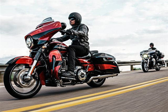2017 Harley-Davidson Electra Glide CVO Limited at Garden State Harley-Davidson