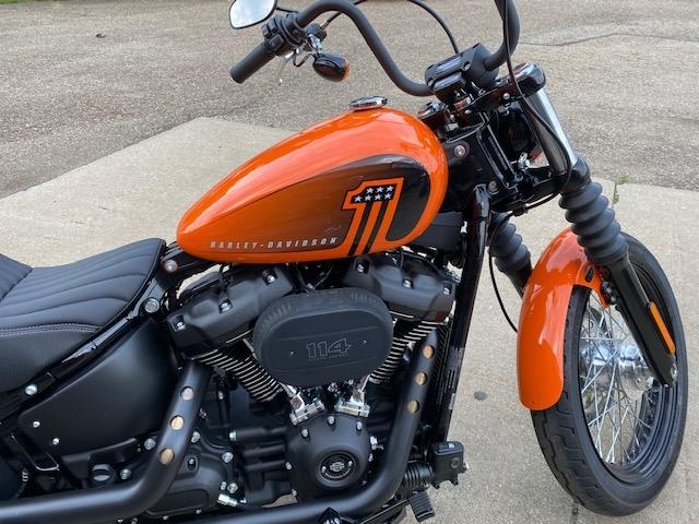2021 Harley-Davidson Cruiser Street Bob 114 at Carlton Harley-Davidson®