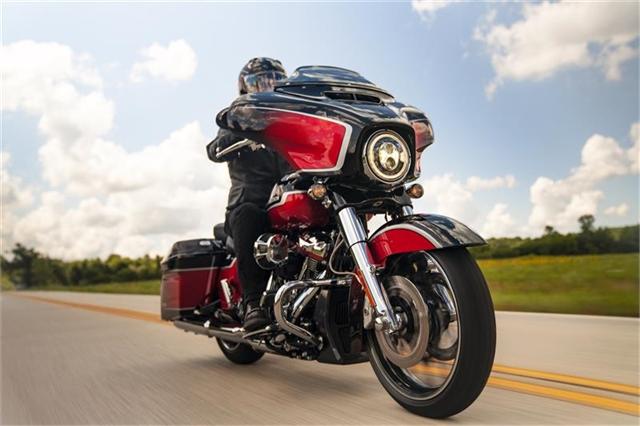 2021 Harley-Davidson Touring FLHXSE CVO Street Glide at Texas Harley
