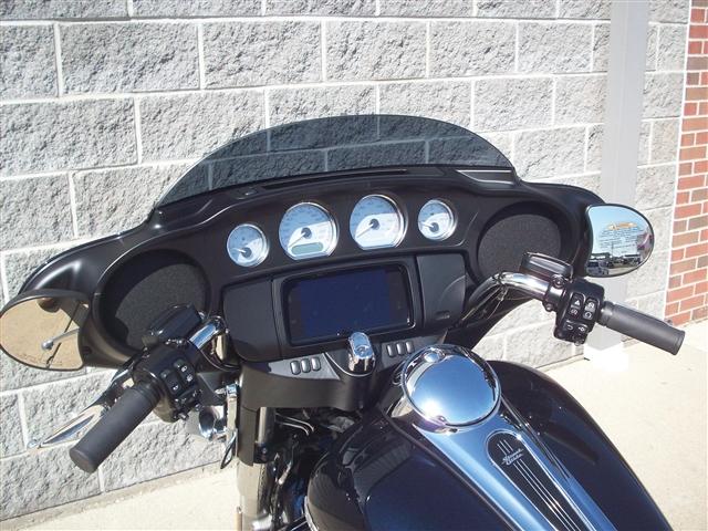 2019 Harley-Davidson Street Glide Base at Indianapolis Southside Harley-Davidson®, Indianapolis, IN 46237