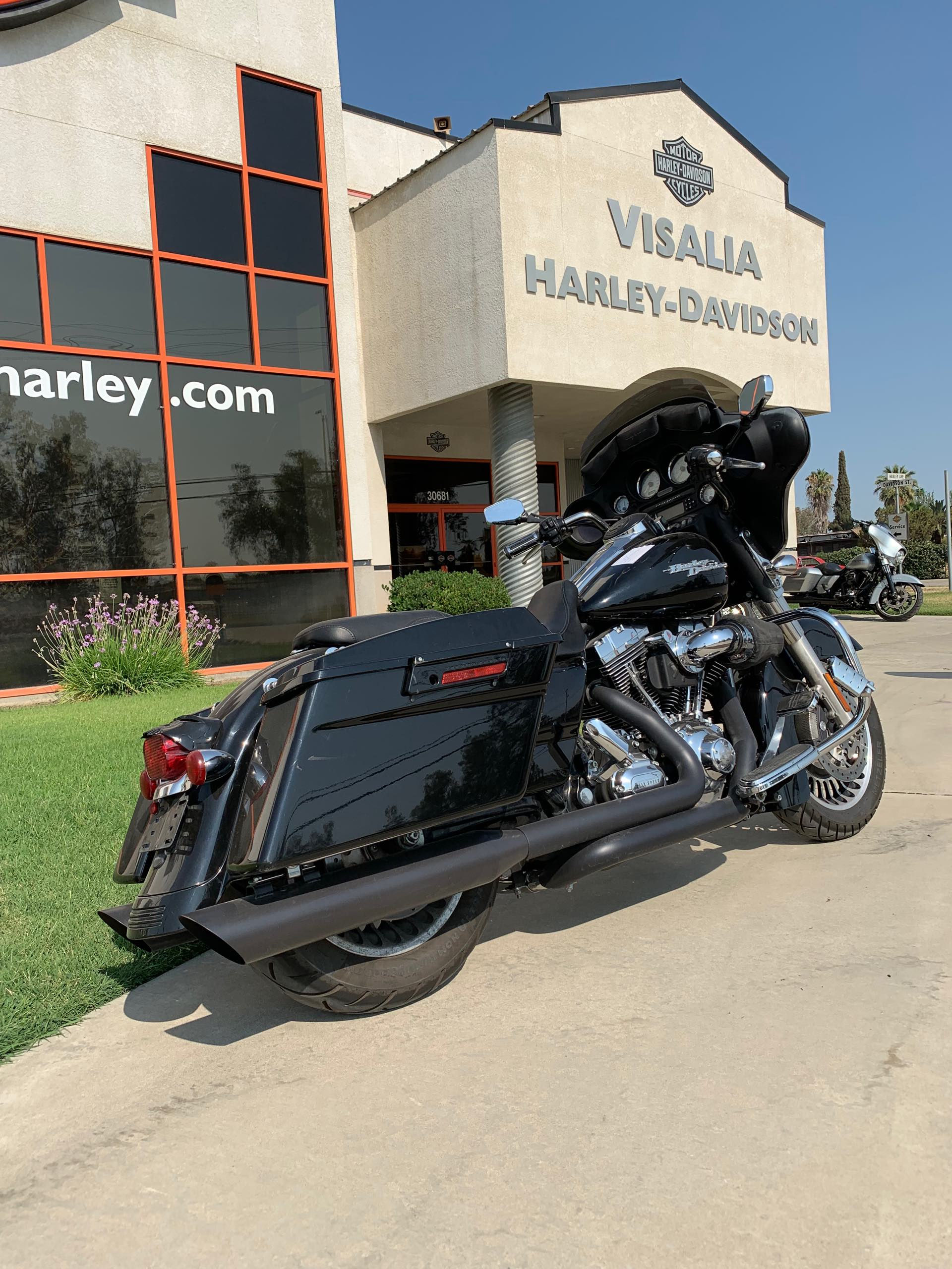 2009 Harley-Davidson Street Glide Base at Visalia Harley-Davidson