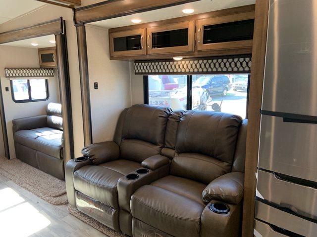 2020 Coachmen Chaparral 373MBRB at Campers RV Center, Shreveport, LA 71129