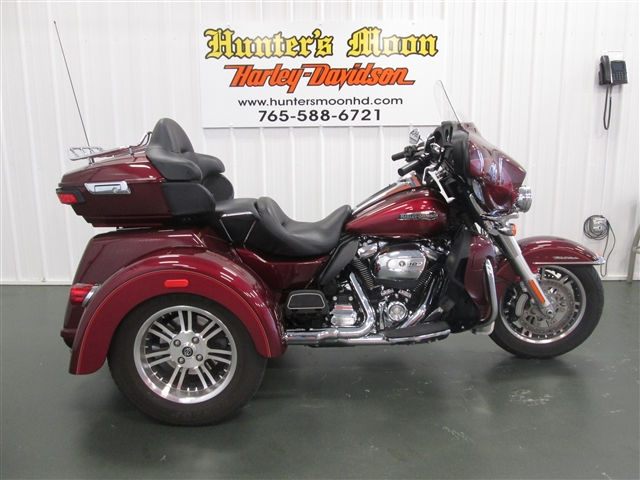 2017 Harley-Davidson Trike Tri Glide® Ultra at Hunter's Moon Harley-Davidson®, Lafayette, IN 47905