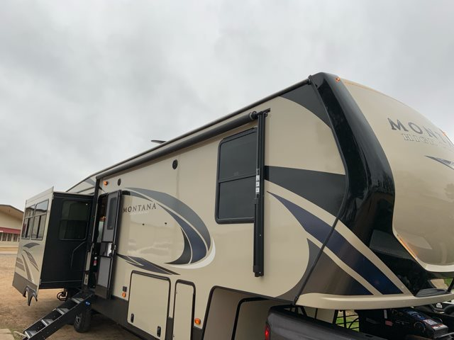 2019 Keystone Montana High Country 331RL Rear Living at Campers RV Center, Shreveport, LA 71129