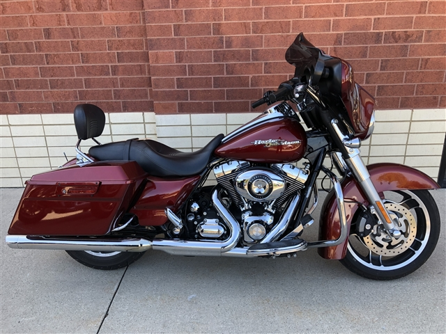 2010 Harley-Davidson Street Glide Base at Harley-Davidson of Fort Wayne, Fort Wayne, IN 46804