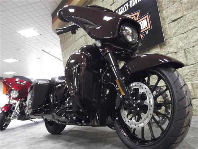 2019 Harley-Davidson Street Glide CVO Street Glide at Waukon Harley-Davidson, Waukon, IA 52172