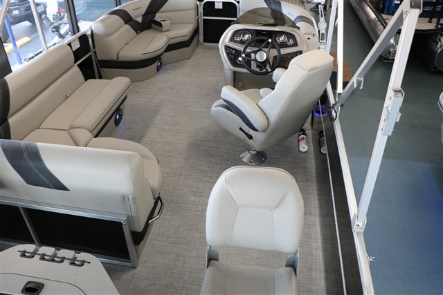 2021 Trifecta LE-Series 24TRFC LE at Jerry Whittle Boats