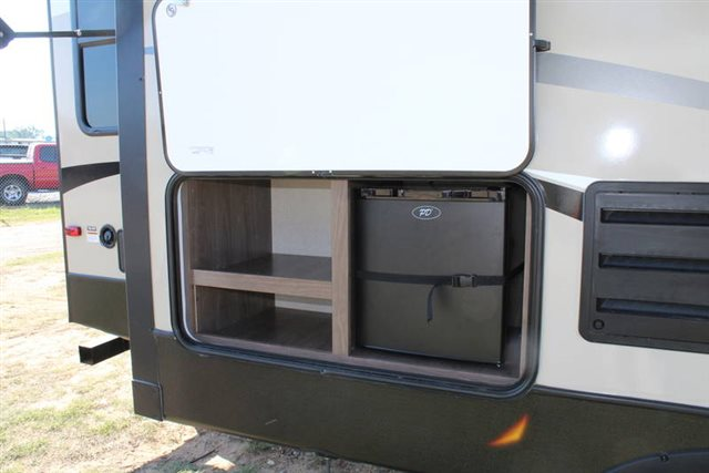 2019 Keystone RV Hideout 299RLDS Rear Living at Campers RV Center, Shreveport, LA 71129