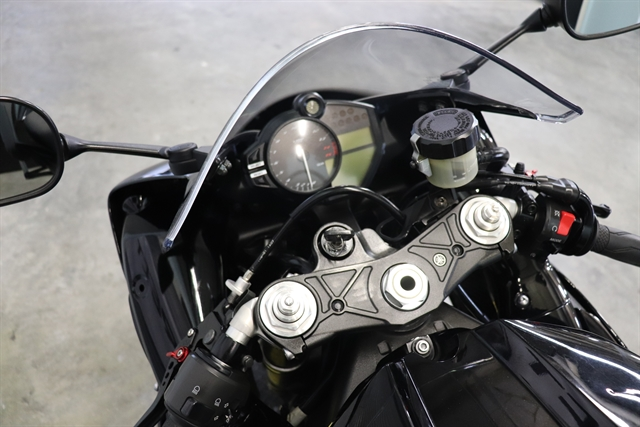 2011 Yamaha YZF R1 at Used Bikes Direct