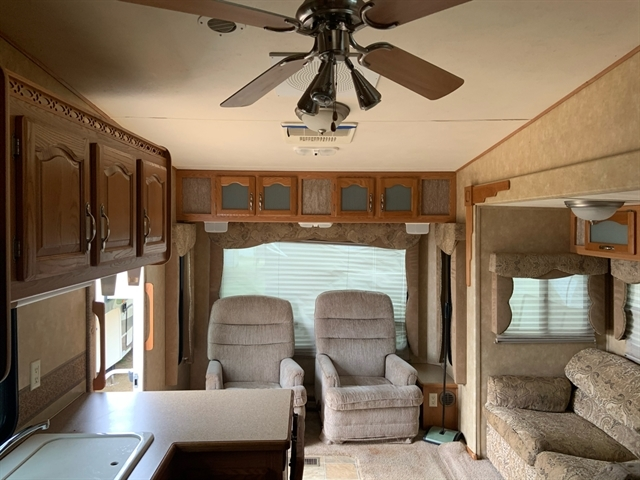 2006 Forest River Cardinal at Campers RV Center, Shreveport, LA 71129