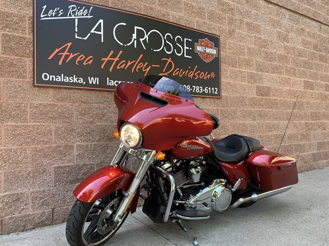 2018 Harley-Davidson Street Glide Base at La Crosse Area Harley-Davidson, Onalaska, WI 54650
