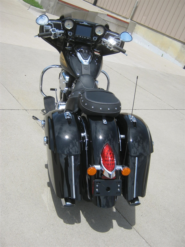 2019 Indian Motorcycle Chieftain Classic at Brenny's Motorcycle Clinic, Bettendorf, IA 52722