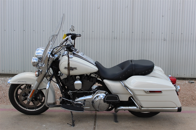 2015 Harley-Davidson Road King Base at Gruene Harley-Davidson
