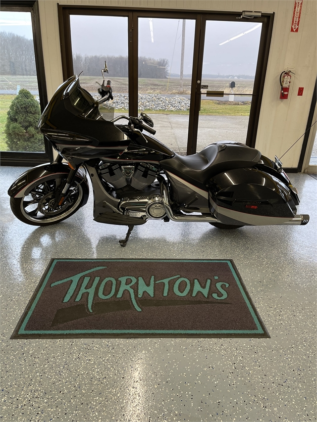 2016 Victory Magnum Base at Thornton's Motorcycle - Versailles, IN