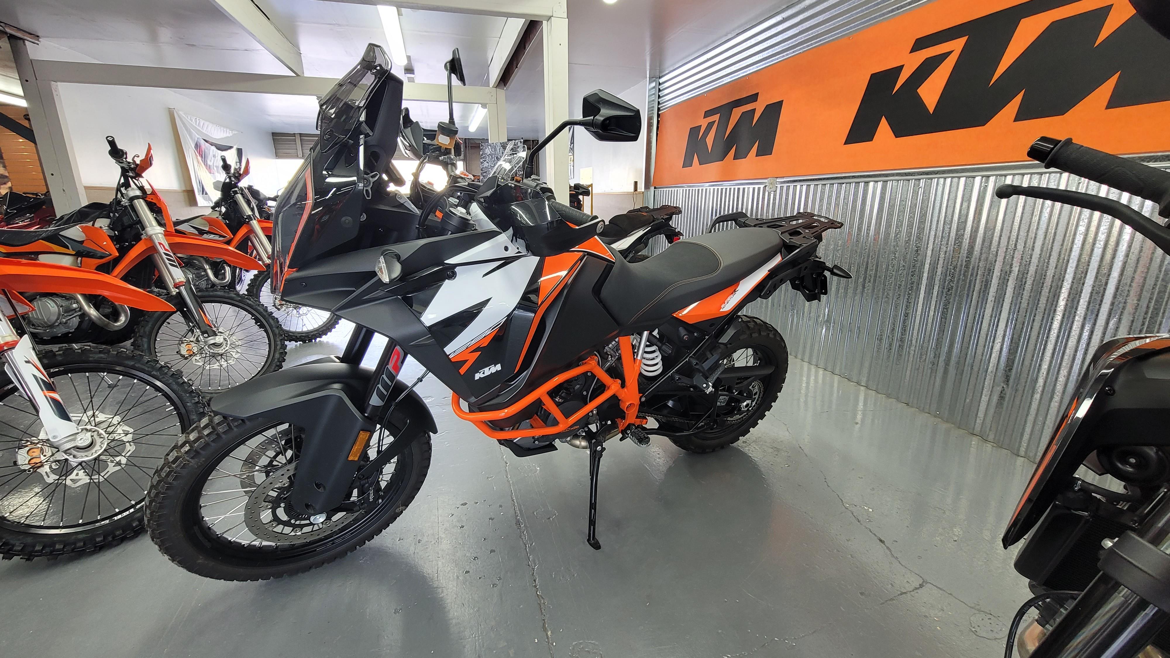 2020 KTM Super Adventure 1290 R at Cascade Motorsports