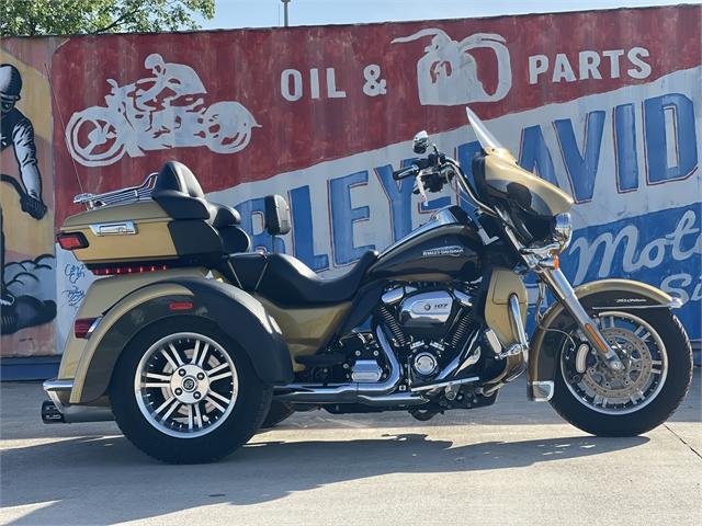2017 Harley-Davidson Trike Tri Glide Ultra at Gruene Harley-Davidson