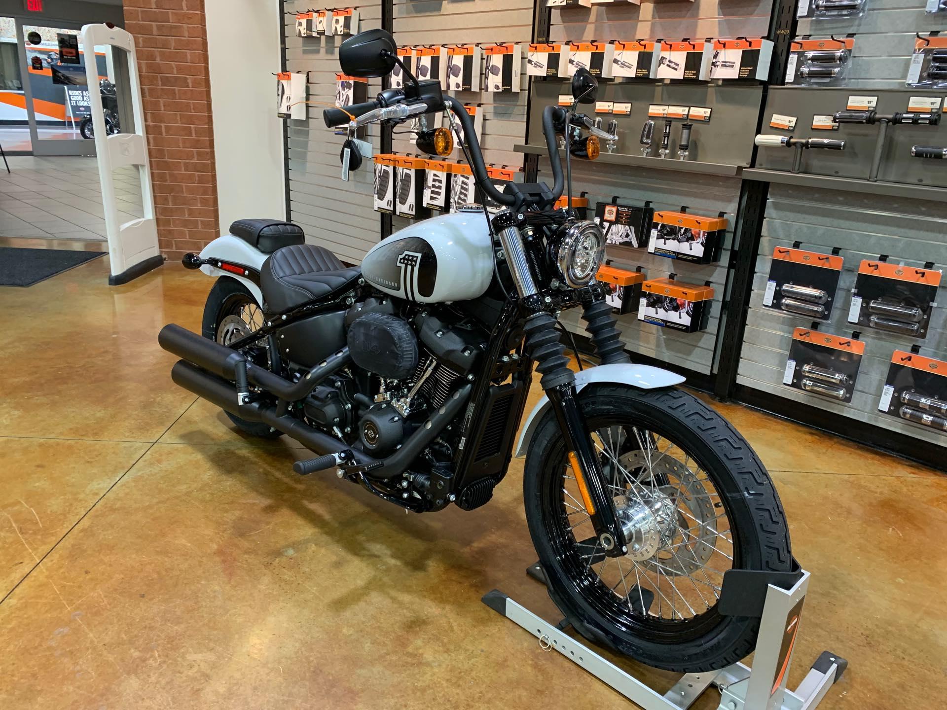 2021 Harley-Davidson Cruiser Street Bob 114 at Colonial Harley-Davidson