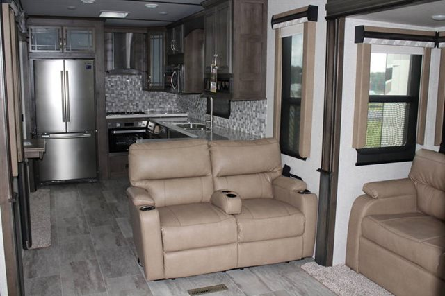 2019 Keystone RV Montana 3701LK Rear Kitchen at Campers RV Center, Shreveport, LA 71129