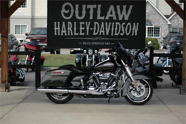 2021 Harley-Davidson Grand American Touring Street Glide at Outlaw Harley-Davidson