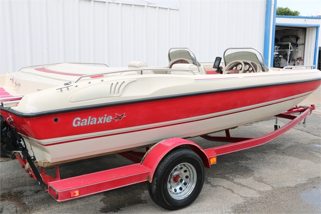 2001 Galaxie 1800 Deckboat at Jerry Whittle Boats