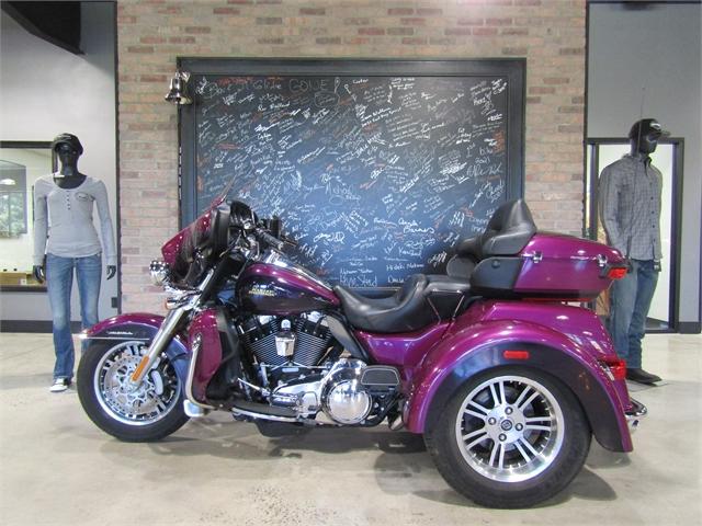 2016 Harley-Davidson Trike Tri Glide Ultra at Cox's Double Eagle Harley-Davidson