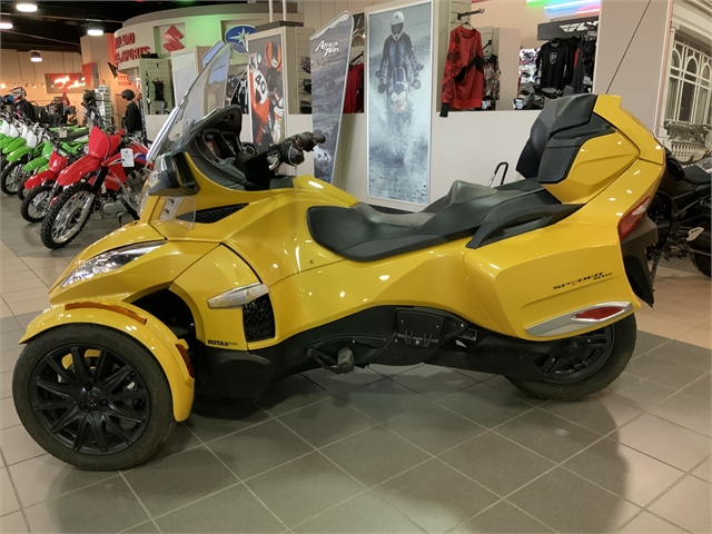 2015 Can-Am Spyder RT S at Midland Powersports