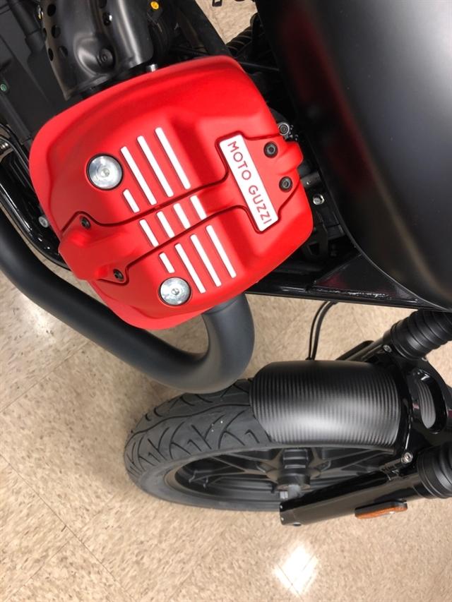 2018 Moto Guzzi V7 III Carbon Dark at Sloans Motorcycle ATV, Murfreesboro, TN, 37129