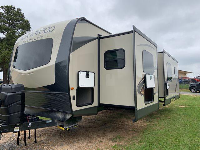 2020 Forest River Rockwood Ultra Lite 2912BS Rear Bath at Campers RV Center, Shreveport, LA 71129