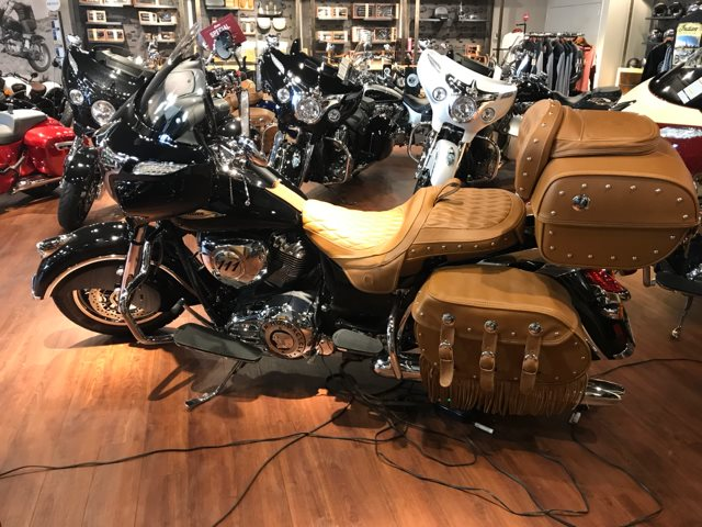 2017 Indian Roadmaster Classic at Mungenast Motorsports, St. Louis, MO 63123