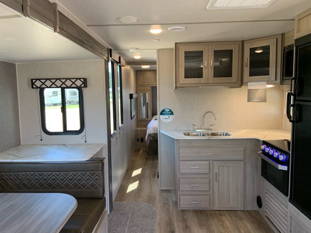 2020 Coachmen Freedom Express Deep Slide 279RLDS at Campers RV Center, Shreveport, LA 71129