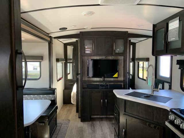 2019 Forest River Surveyor Luxury 243RBS at Campers RV Center, Shreveport, LA 71129