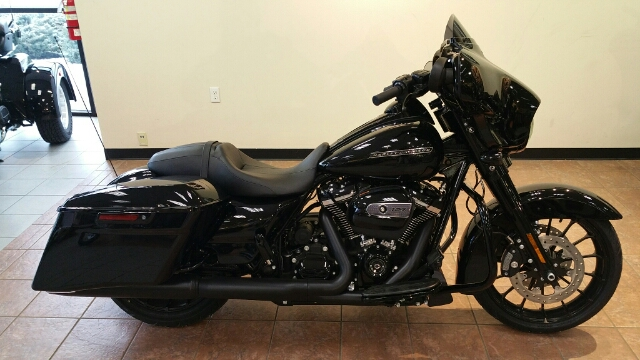 2018 Harley-Davidson Street Glide Special at Harley-Davidson® Shop of Winona, Winona, MN 55987