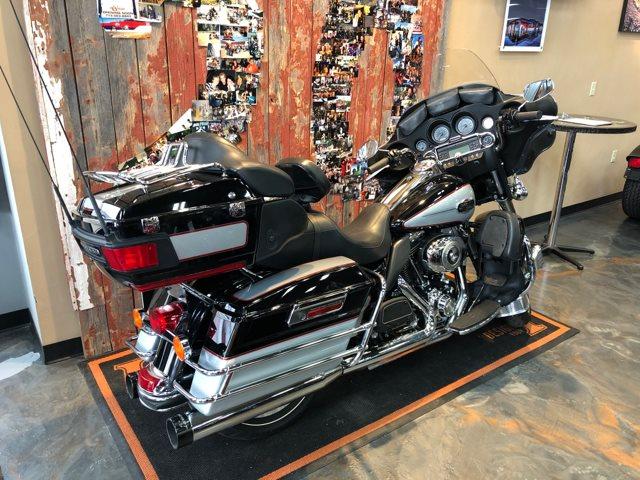 2010 Harley-Davidson Electra Glide Ultra Classic at Vandervest Harley-Davidson, Green Bay, WI 54303