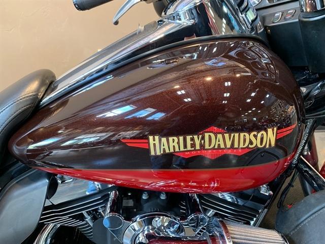 2010 Harley-Davidson Electra Glide Ultra Limited at Vandervest Harley-Davidson, Green Bay, WI 54303