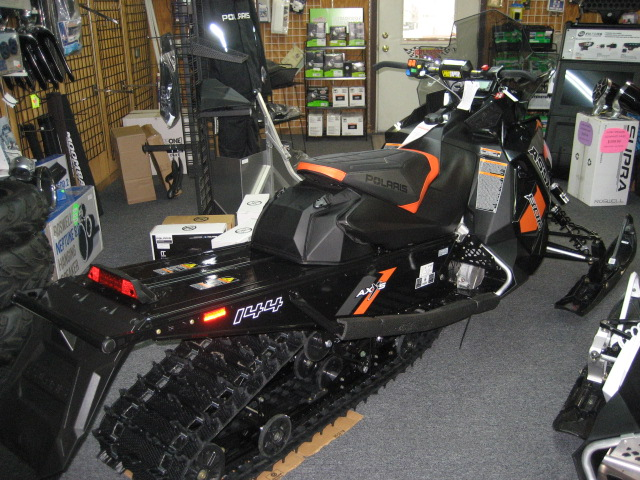 2019 Polaris Switchback Assault 800 144 at Fort Fremont Marine Redesign