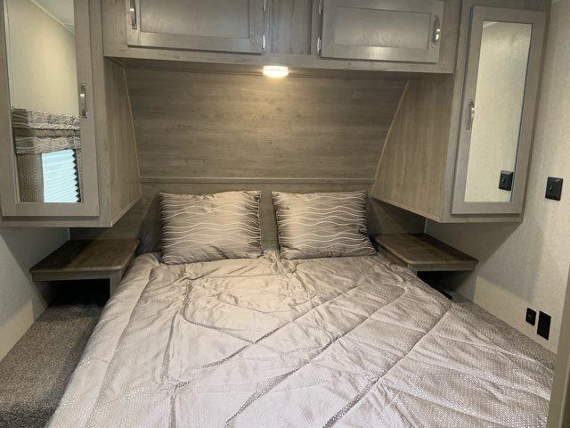 2020 Palomino Puma 25RKS Rear Kitchen at Campers RV Center, Shreveport, LA 71129