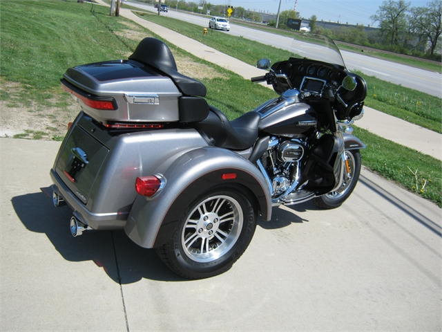 2017 Harley-Davidson FLHTCUTG Tri-Glide Ultra Classic at Brenny's Motorcycle Clinic, Bettendorf, IA 52722