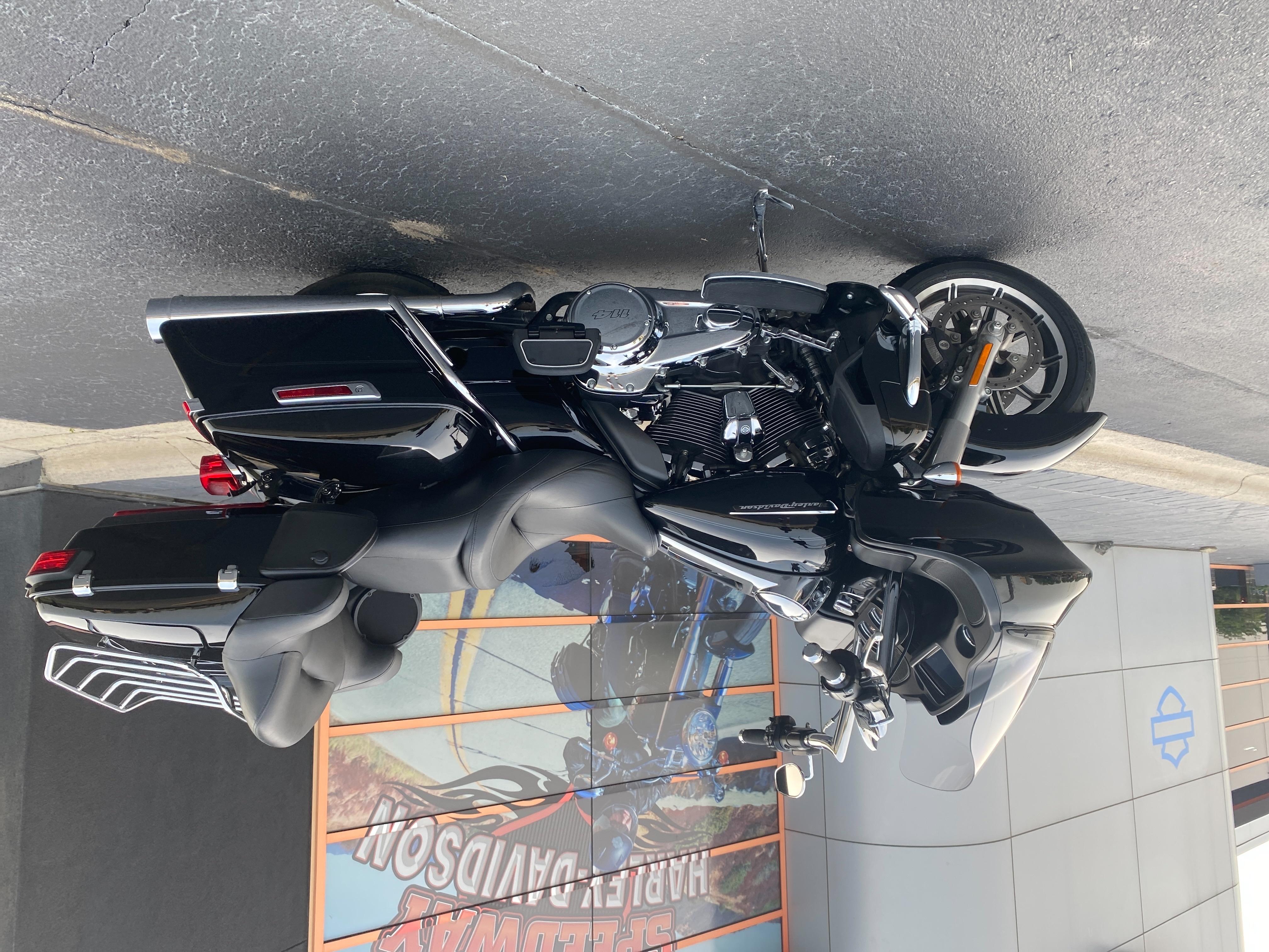 2019 Harley-Davidson Road Glide Ultra at Speedway Harley-Davidson