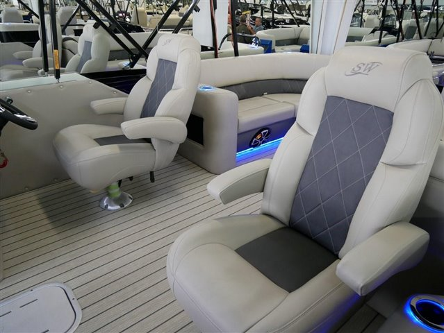 2022 Silver Wave SW5 CLS 2410 at Jerry Whittle Boats