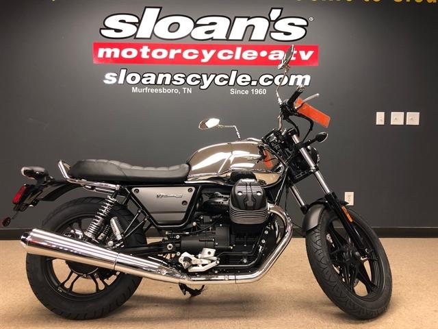 2018 Moto Guzzi V7 III Carbon Shine at Sloans Motorcycle ATV, Murfreesboro, TN, 37129