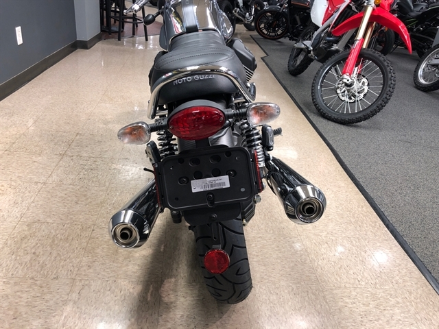 2018 Moto Guzzi V7 III Carbon Shine at Sloans Motorcycle ATV, Murfreesboro, TN, 37129