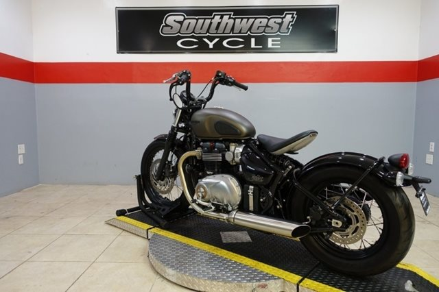 2017 Triumph Bonneville Bobber Base at Southwest Cycle, Cape Coral, FL 33909