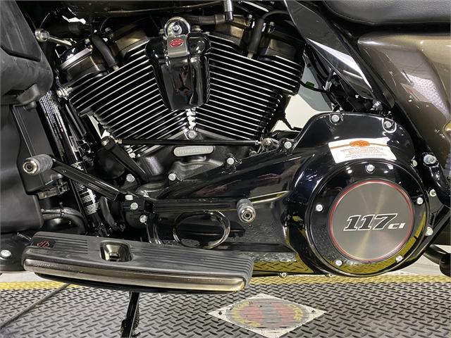 2021 Harley-Davidson Touring CVO Limited at Outlaw Harley-Davidson