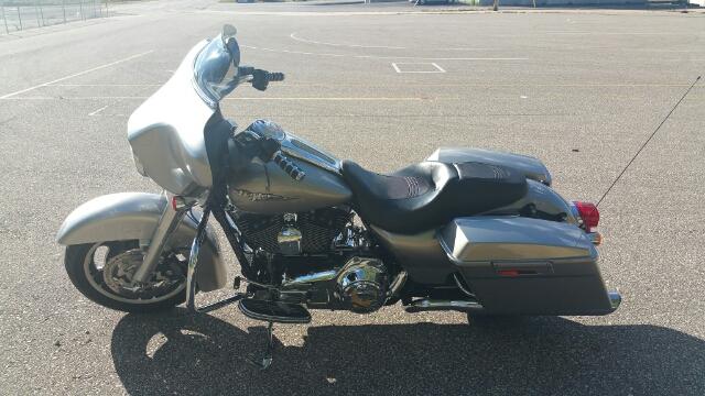 2009 Harley-Davidson Street Glide Base at Harley-Davidson® Shop of Winona, Winona, MN 55987
