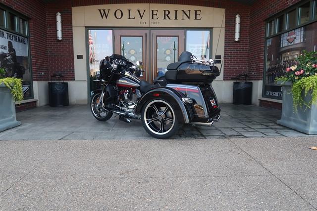 2020 Harley-Davidson CVO Tri Glide at Wolverine Harley-Davidson