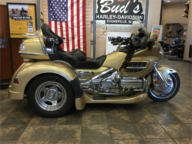 2006 Honda Gold Wing Audio / Comfort at Bud's Harley-Davidson