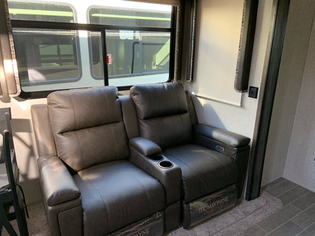 2019 Keystone Montana High Country 364BH at Campers RV Center, Shreveport, LA 71129