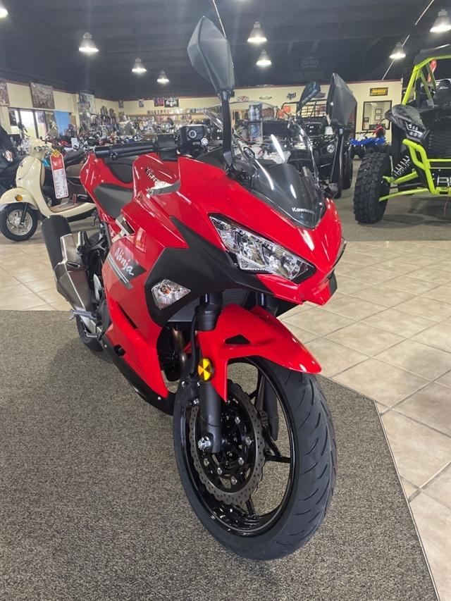 2021 Kawasaki Ninja 400 Base at Dale's Fun Center, Victoria, TX 77904